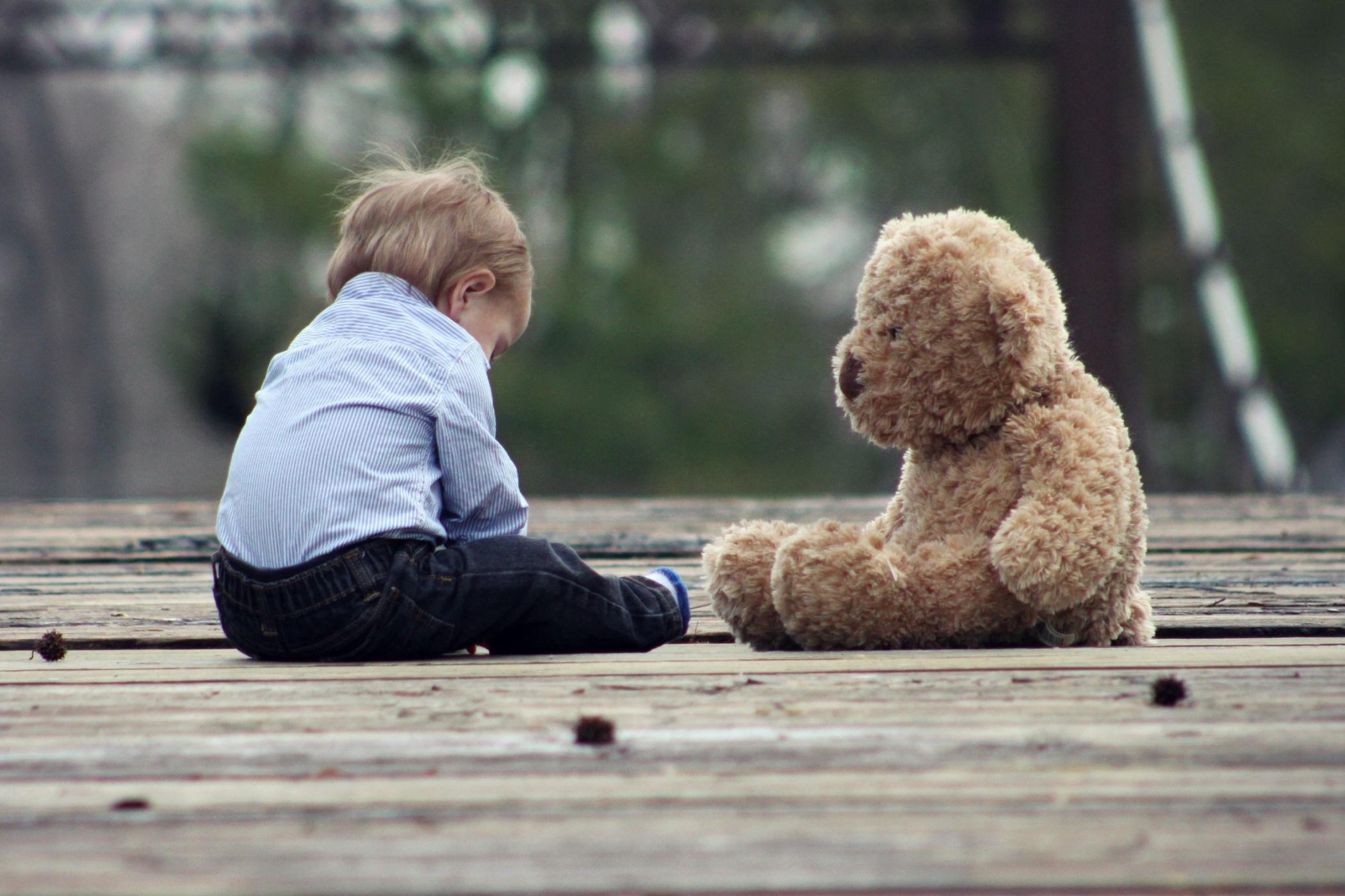 Na osvojení dítěte se v Česku čeká dlouho. Hodně záleží také na samotných rodičích, kteří mají často odlišné představy. (ilustrační foto)