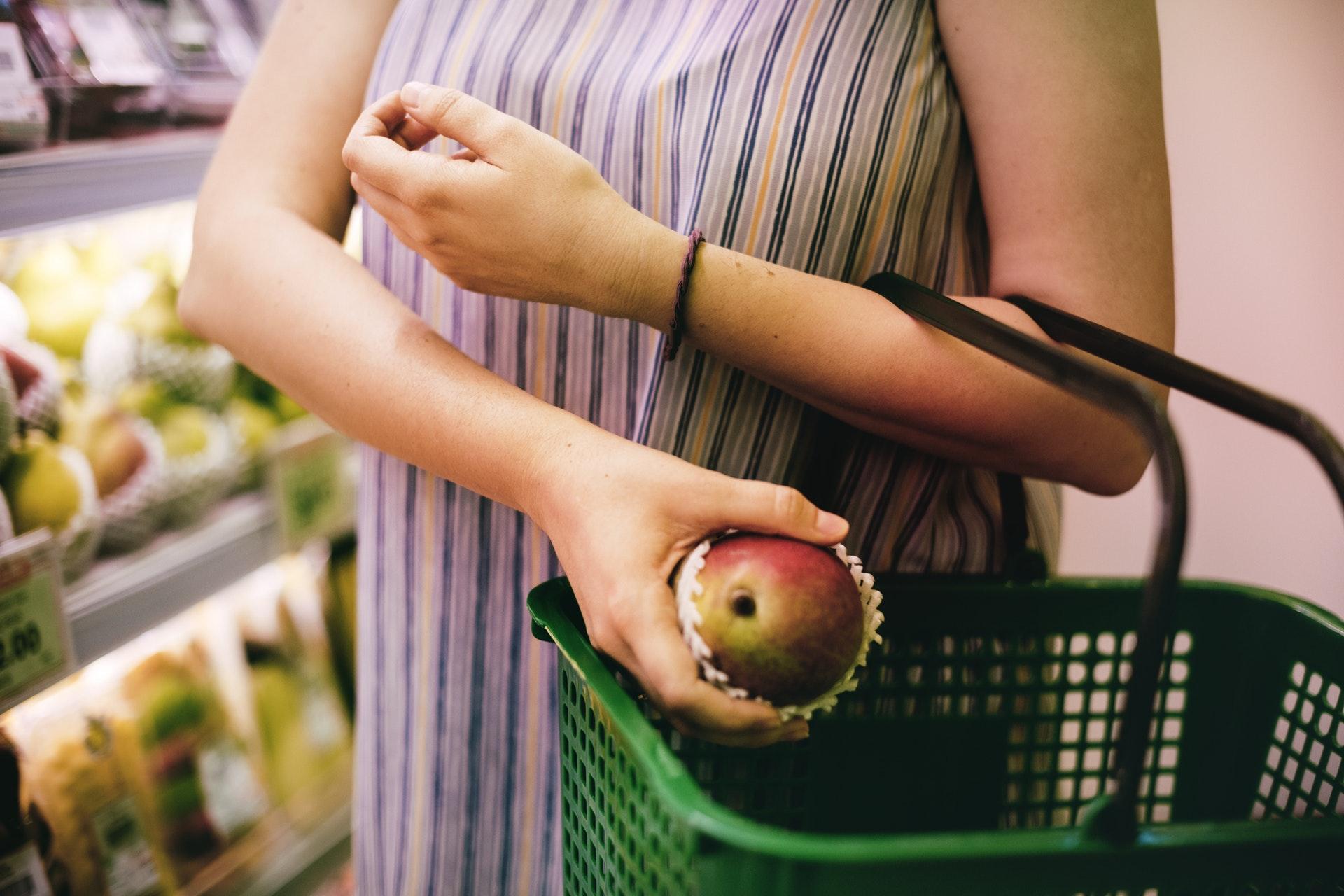 Nakupování potravin – nákup – supermarket