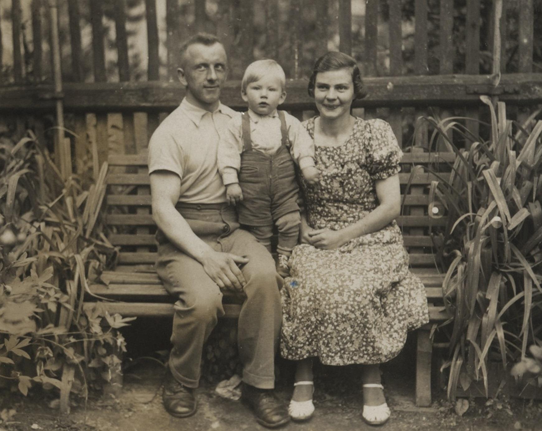 Walter Sitte se narodil v roce 1935 do sudetoněmecké rodiny kousek od německých hranic v Hrádku nad Nisou.